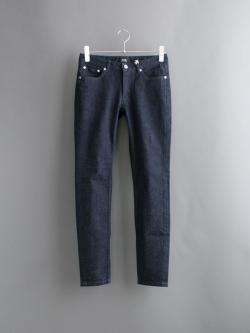 A.P.C. | MOULANT IAL Indigo タイトカット藍染めジーンズの商品画像