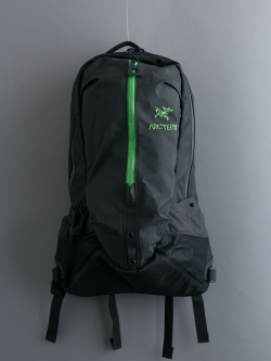 ARC'TERYX | ARRO 22 BACKPACK Black/Khasi アロー22 バックパックの商品画像