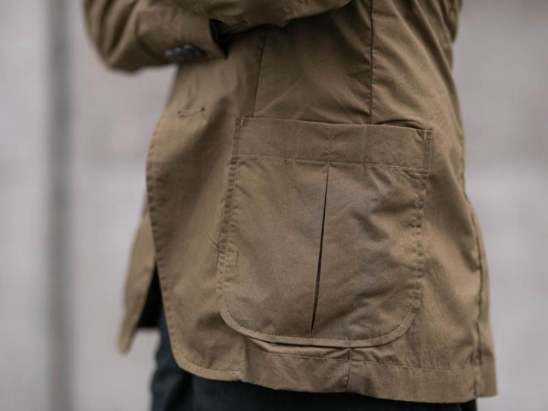 タピアロサンゼルスのタイプライタージャケットのポケット