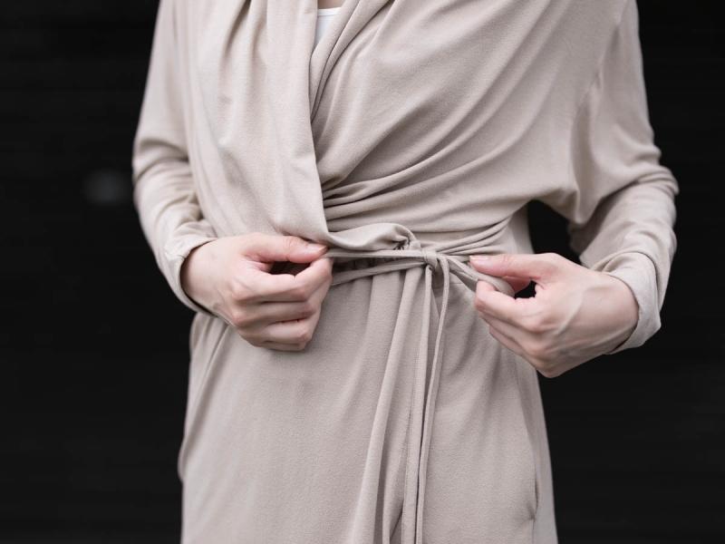 アバウトのレーヨン生地のFine1 Cardigan/Dressのsand beige