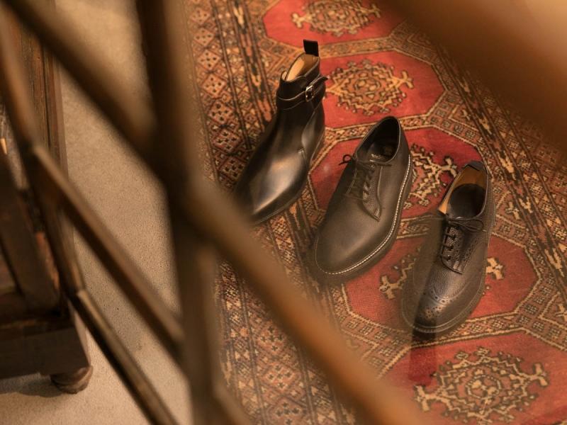 tricker'sの短靴とジョッパーブーツの写真