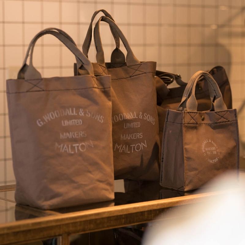G.WOODALL & SONSのキャンバスバッグのステンシルプリント