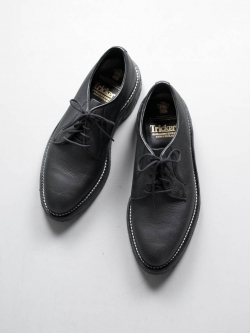 Tricker's | ROBERT OLIVVIA GRAIN LEATHER DERBY SHOES Black グレインレザーダービーシューズの商品画像