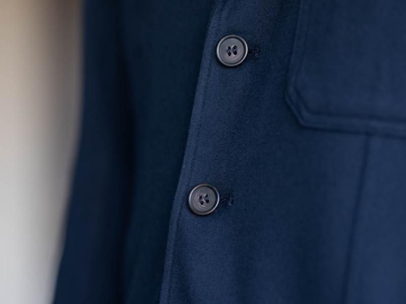 アルブルのモールスキン生地の3つボタンテーラードジャケット