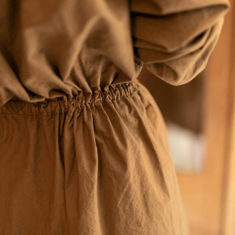 Yarmoのコットンキャンブリックスモックドレス