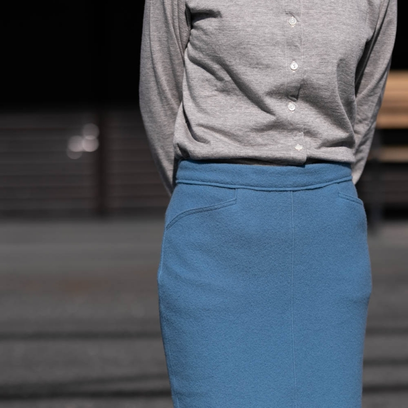 FilMelangeのミモレ丈の圧縮ニットスカートのcasilda