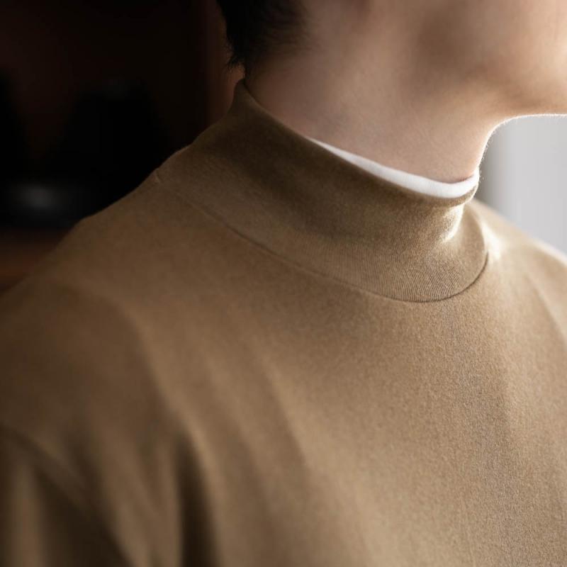 GICIPIの1807AのコットンカシミアモックネックTシャツのcaffe