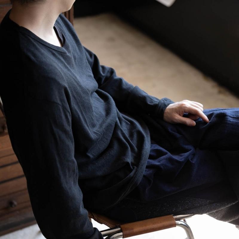 ジチピの1806Aのコットンカシミア長袖クルーネックTシャツのnero