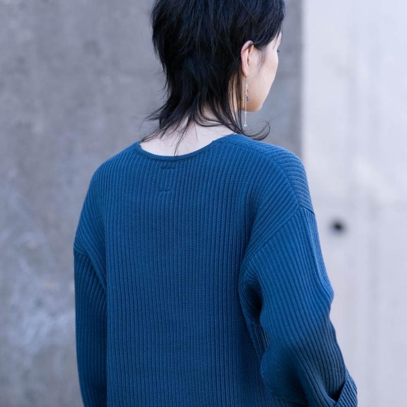 バトナーのレディースの7ゲージのリブVネックセーターの通販