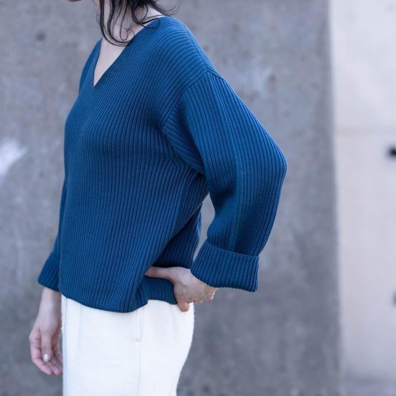 バトナーの女性の7ゲージのリブVネックセーターの通販