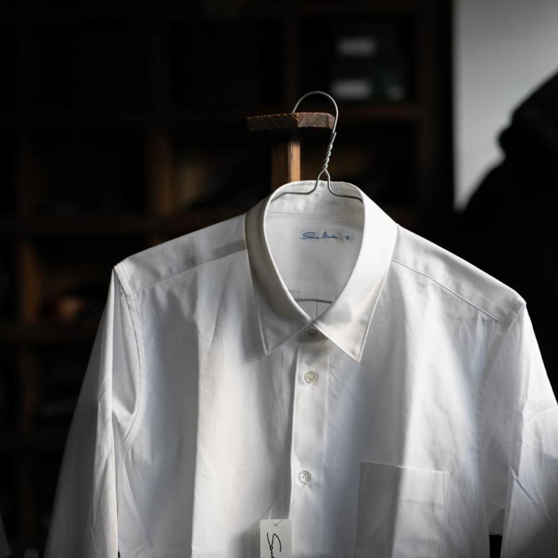 Sans LimiteのSH01ブロードレギュラーカラーシャツのWhiteの通販