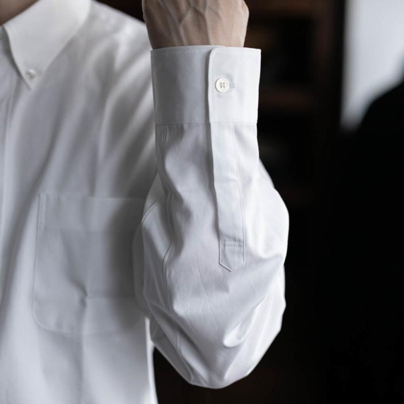 sans limiteのボタンダウンブロードシャツのwhiteの取り扱い