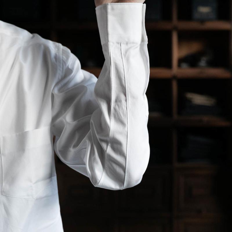 サンリミットの定番レギュラーカラーシャツのホワイトの取り扱い