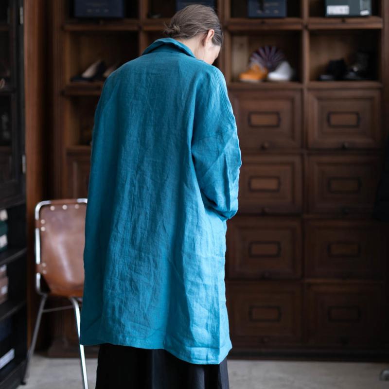 ヤーモのリネンステンカラーコートのブルーの取り扱い