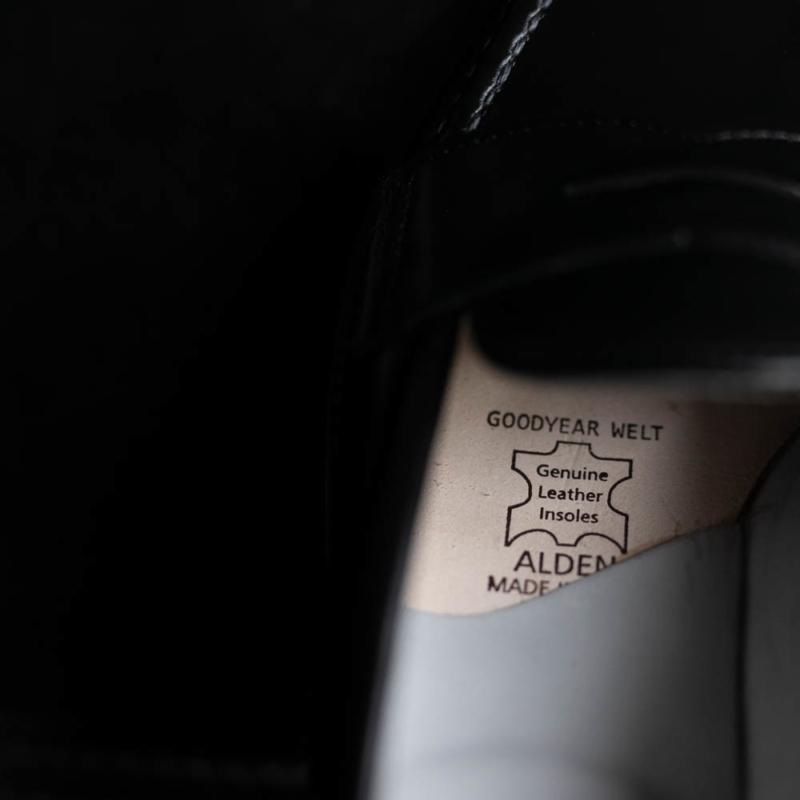 ALDENのカーフ手縫いモカ縫いペニーローファー981のブラックの取り扱い
