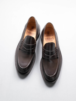 Tricker's | JAMES BURNISHED STEP IN LOAFERS Espresso レザーローファーシューズの商品画像
