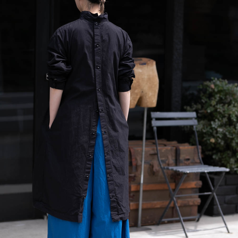 ヤーモ BACK OPEN SMOCK DRESS COTTON CAMBRIC Blackの通販取り扱い
