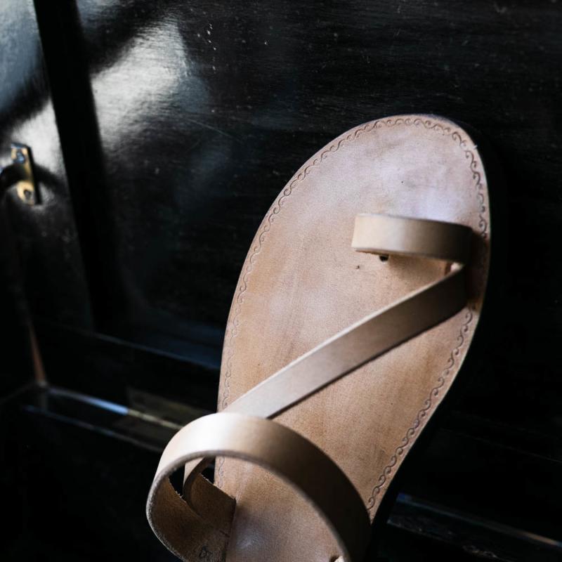 PEZZETTINO ヌメ革三層レザーサンダルの通販取り扱い