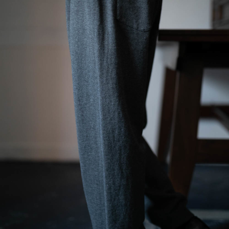 AULICO COTTON CASHMERE KNIT PANTS グレーの通販取扱