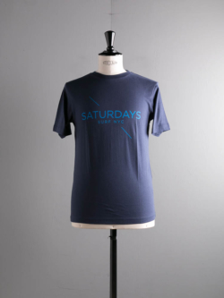 Saturdays NYC | LOGO PRINTED T SHIRT Navy プリントTシャツの商品画像