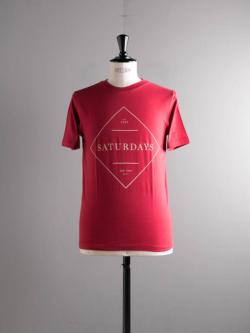 Saturdays NYC | SERIF SIGN Red プリントTシャツの商品画像