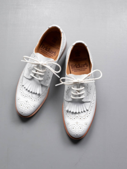 Tricker's | KATE ANLINE DERBY White キルトタン付きブローグダービーシューズの商品画像