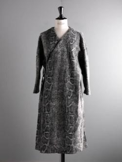 ENGINEERED GARMENTS | CACHE COEUR KNIT DRESS – SNAKE PRINT Grey スネークプリントカシュクールニットドレスの商品画像