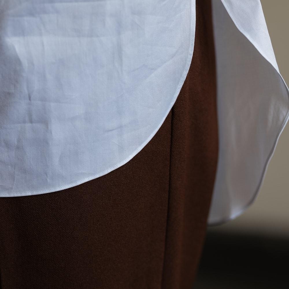 インディゴAM イカ胸ピンタックフリルアーカイブシャツ 白