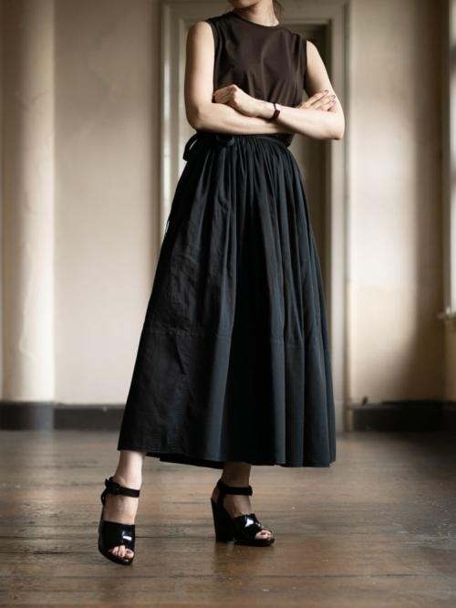 POSTELEGANT | COTTON PIQUE WRAP SKIRT Black コットンピケギャザーラップスカートの商品画像