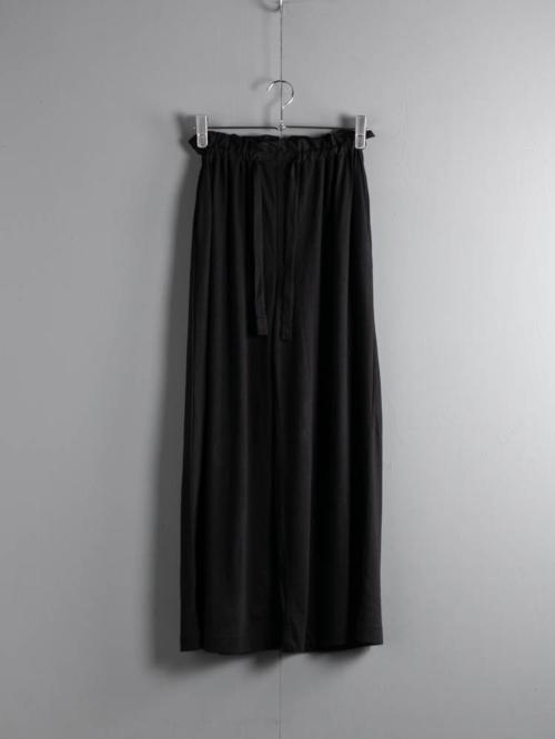 ABOUT | VELYVAPNTS Black コットンレーヨンリラックスパンツの商品画像