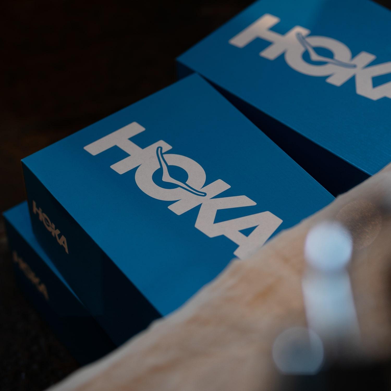 EG × HOKA ONE ONE BONDI L Black Taupe ボンダイLの福岡通販取扱店